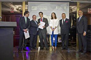 Jorge Bonastre recibiendo premio SECPRE